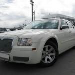 Chrysler С 300 (белый, красный)1